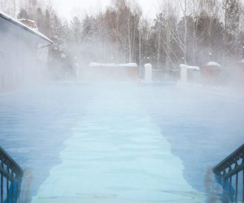 Зимний термальный бассейн